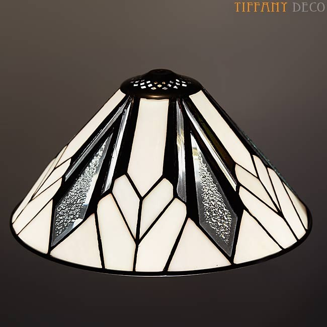 lampe tiffany art d co b w small les plus belles lampes tiffany. Black Bedroom Furniture Sets. Home Design Ideas