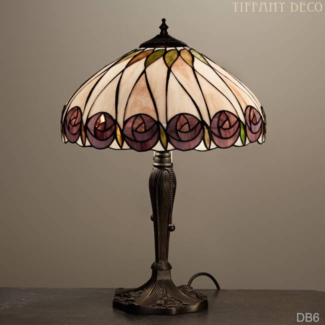lampe tiffany rosetta medium les plus belles lampes tiffany. Black Bedroom Furniture Sets. Home Design Ideas