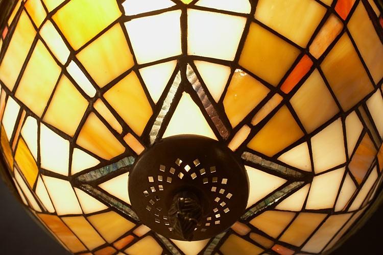 plafonnier tiffany art d co les plus belles lampes tiffany. Black Bedroom Furniture Sets. Home Design Ideas