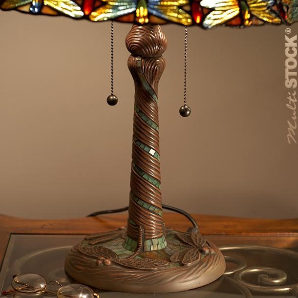 lampe tiffany libelulle les plus belles lampes tiffany. Black Bedroom Furniture Sets. Home Design Ideas
