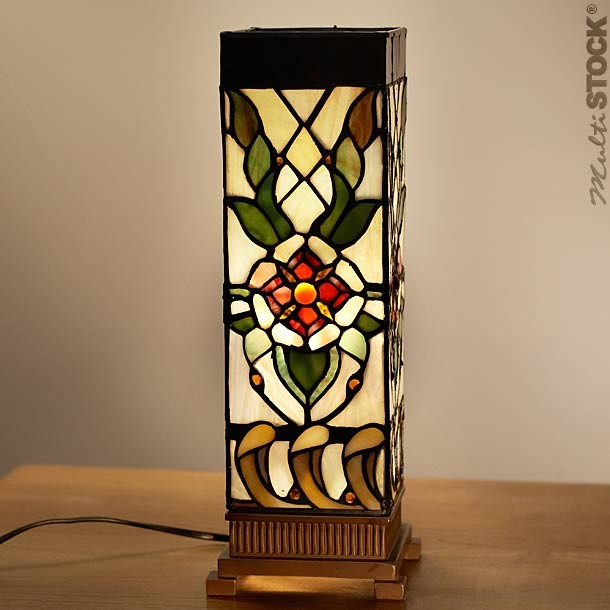 lampe tiffany carr fleur rouge small les plus belles lampes tiffany. Black Bedroom Furniture Sets. Home Design Ideas